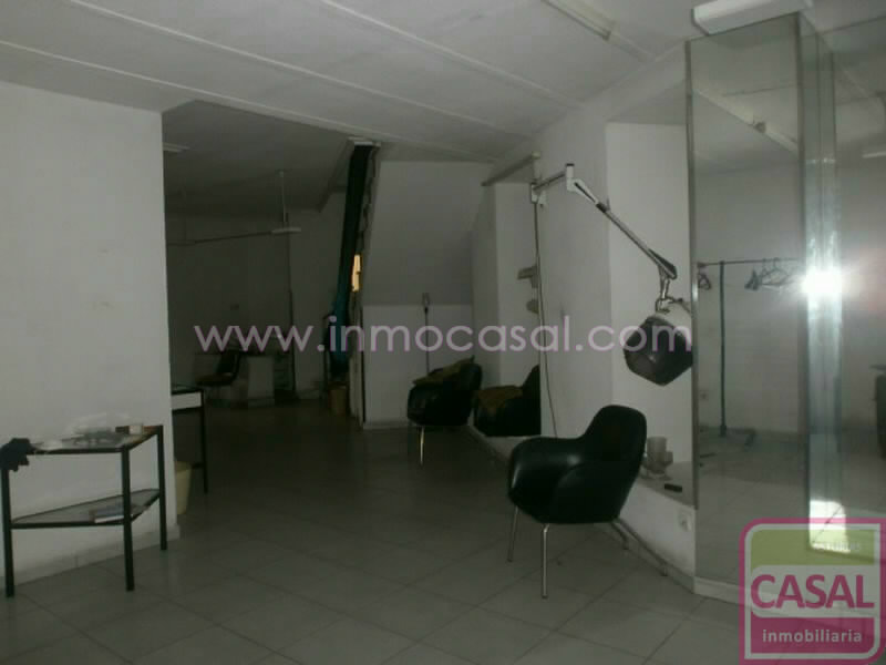 Local en venta Aviles, zona Carbayedo